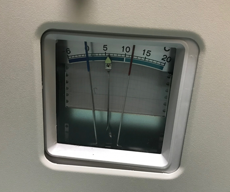 自記式温度記録計、自動的に温度が記録される